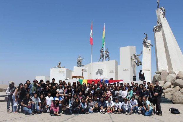 Jóvenes de El Alto, Oruro y Viacha participaron en el encuentro Rompiendo Fronteras